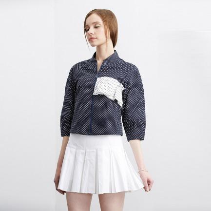 白色百褶半裙