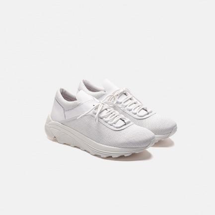 纯白系带低帮户外跑步鞋 | 极简造型跑鞋 越野品质鞋底