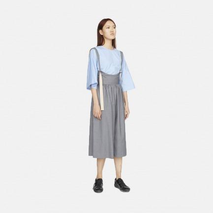 浅灰蓝中袖上装+灰色抽褶吊带裤