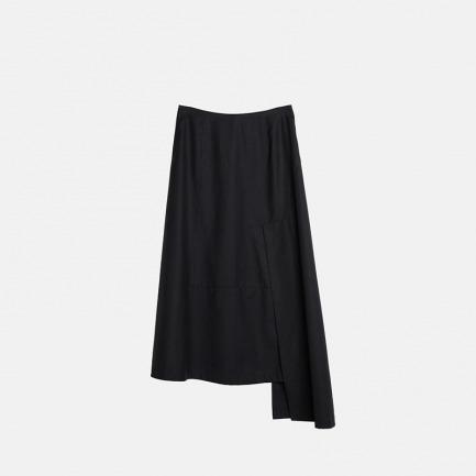 黑色简约不对称拼接半身裙