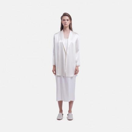 珍珠白缎面桑蚕丝开襟外套