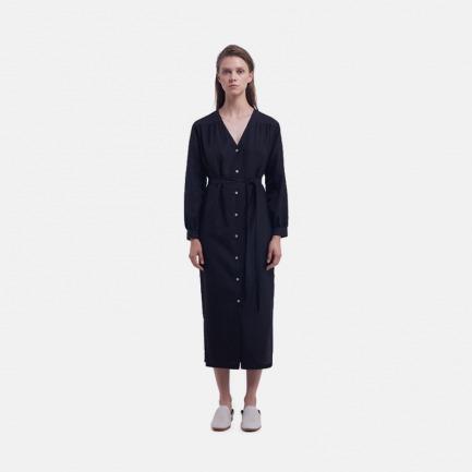 黑色V领衬衣式连衣裙