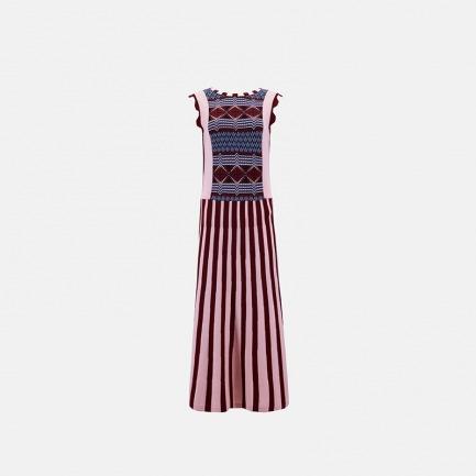 非洲图案粉色竖条纹连衣裙