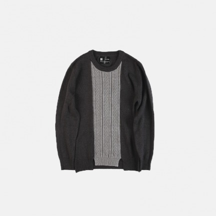 CABLE CUTSEW KNIT SWEATER 麻花编织拼接下摆分叉设计针织衫毛衣