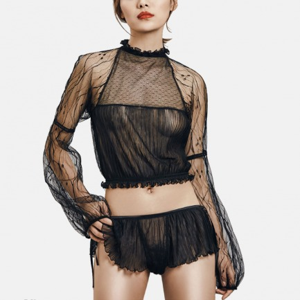 黑色透视网纱上衣短裤套装 | 精致裁剪与拼接蕾丝