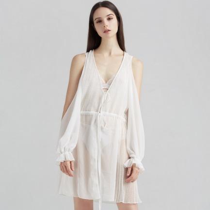 白色薄纱睡袍 | 褶皱波点露肩设计 温婉女人