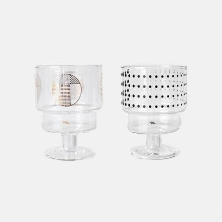 一对个性而精致的高脚杯 | 造型优雅 耐高温玻璃材质