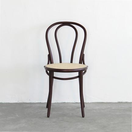 NO.18 Chair 咖啡馆椅 | 爱因斯坦、毕加索都爱的经典设计