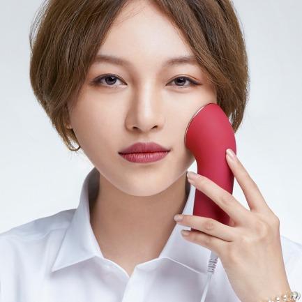 在家帮你管理皮肤的美容仪 | 七重美肤效果 智能肤质测试