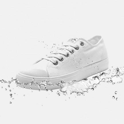 下雨也能穿的防水小白鞋 | 晴雨两穿 轻巧有型百搭款