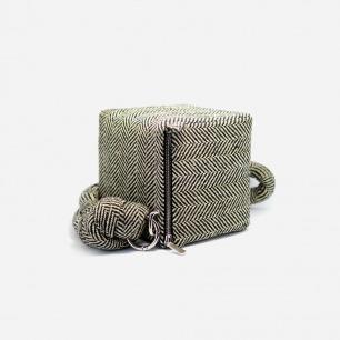 复古时尚立方体手包   简约优雅人字纹 两色可选