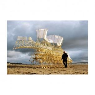 """荷兰工程艺术家theo jasen 制作的""""风力仿生兽"""""""