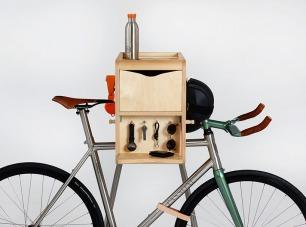 vadolibero designs shelves for cyclists who love carpentry