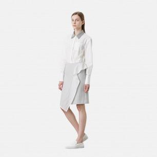 浅灰羊毛领白色长袖衬衣