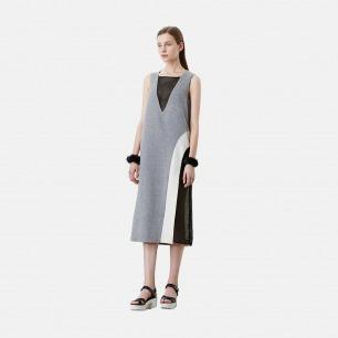 浅灰羊毛拼黑色网格连衣裙