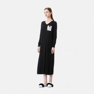 黑色羊毛V领针织连衣裙