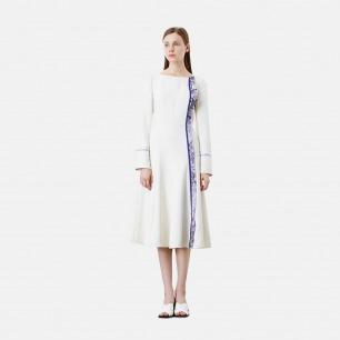 印花装饰白色大裙摆收腰连衣裙