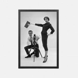 经典摄影装饰画 约翰•弗伦奇(1907-66)和 Daphne Abrams穿着定制西装 (15个工作日内发货)