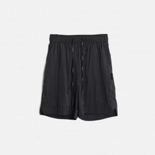 抽绳防水短裤