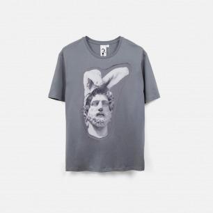 装扮成兔子的雕塑 Bunny 男士纯棉精梳双丝光T恤 灰色