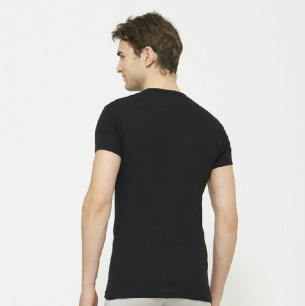 UNIQLO Supima Cotton crew neck tee