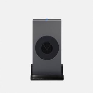 无线壁挂式充电座 | 单手操作 支持无线充
