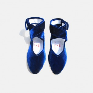 宝蓝色韩国绒尖头鞋