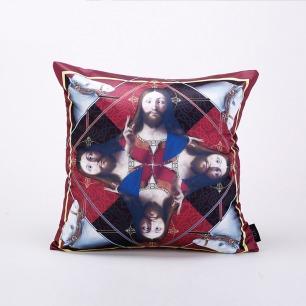 西方经典主题抱枕-耶稣 红色 | HUXI × 赵一浅合作系列