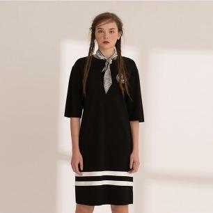 复古运动风短袖 长款卫衣裙  | 大昭寺屋檐下的黑白二色
