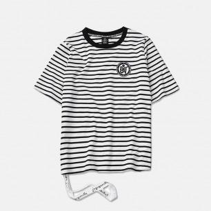 复古黑白条纹飘带T恤 | 前胸带个性胶章 男女同款