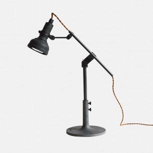 胜家复古台灯 | 黑色喷塑,增加复古质感