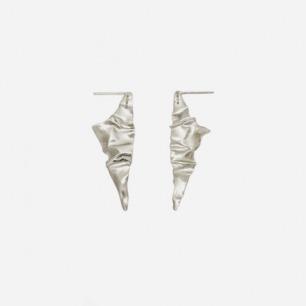 银色几何三角造型长耳环