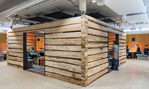 Twitter's Wood Wonder/推特用老木头盖了一间餐厅
