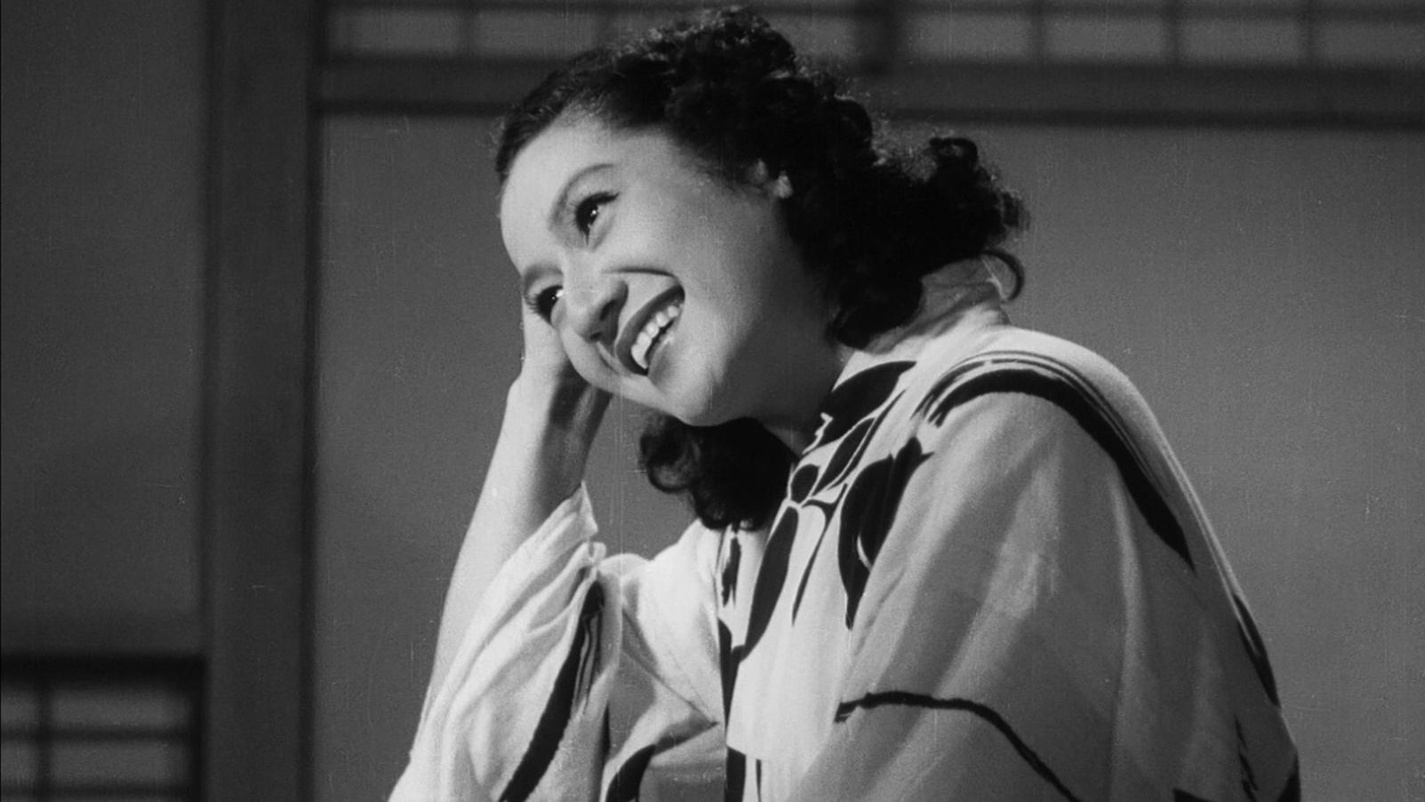 在小津的电影里,她永远不会老/在小津的电影里,她永远不会老