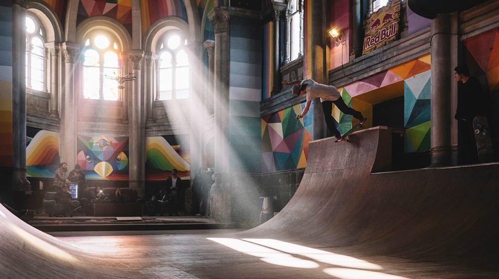 这大概是世界上最酷的滑板公园了!/这大概是世界上最酷的滑板公园了!