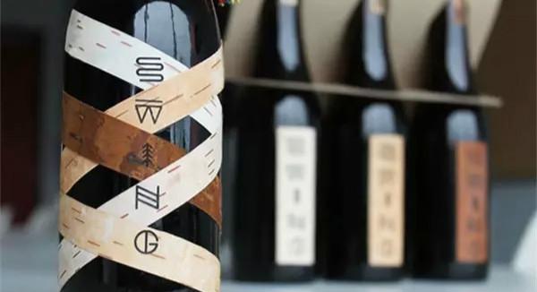 快过年了,卖酒的都在拼包装盒设计/快过年了,卖酒的都在拼包装盒设计