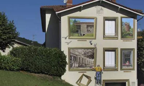 """""""居住""""在2D的超现实公寓里是怎样的体验?/当他们""""居住""""在2D的超现实公寓"""