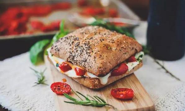 为什么地中海饮食值得每个人尝试?/为什么地中海饮食值得每个人尝试?