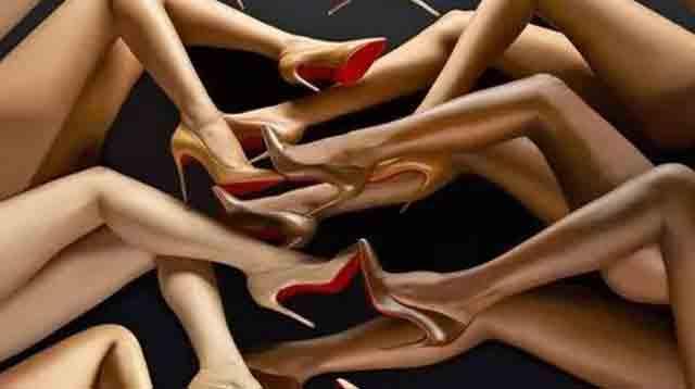 著名的红底高跟鞋背后的设计师是谁/著名的红底高跟鞋背后的设计师是谁
