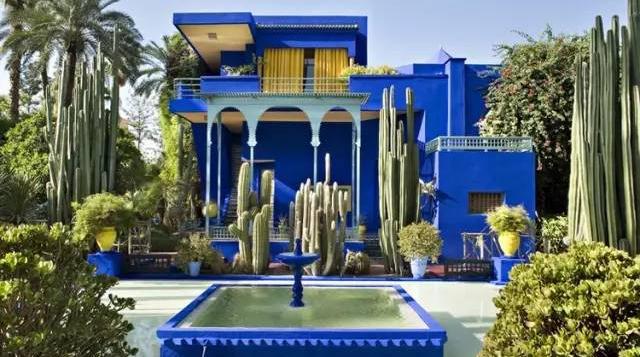 时装设计大师依芙·圣罗兰 都曾被它的配色惊艳到/时装设计大师依芙·圣罗兰 都曾被