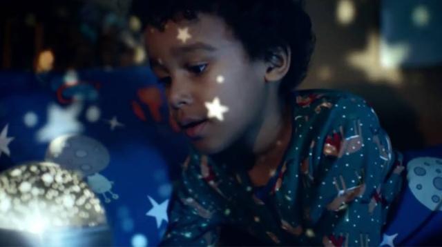 最会拍广告的百货公司,讲述小孩与打呼噜怪兽的故事/最会拍广告的百货公司,讲述小孩与
