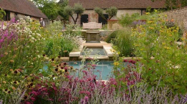 女王御用园艺师的伊甸花园/女王御用园艺师的伊甸花园