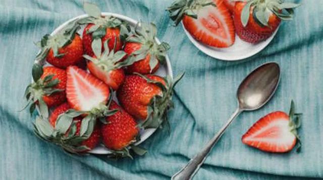 不辜负一年一次的草莓季,教你3道快手草莓料理/不辜负一年一次的草莓季,教你3道
