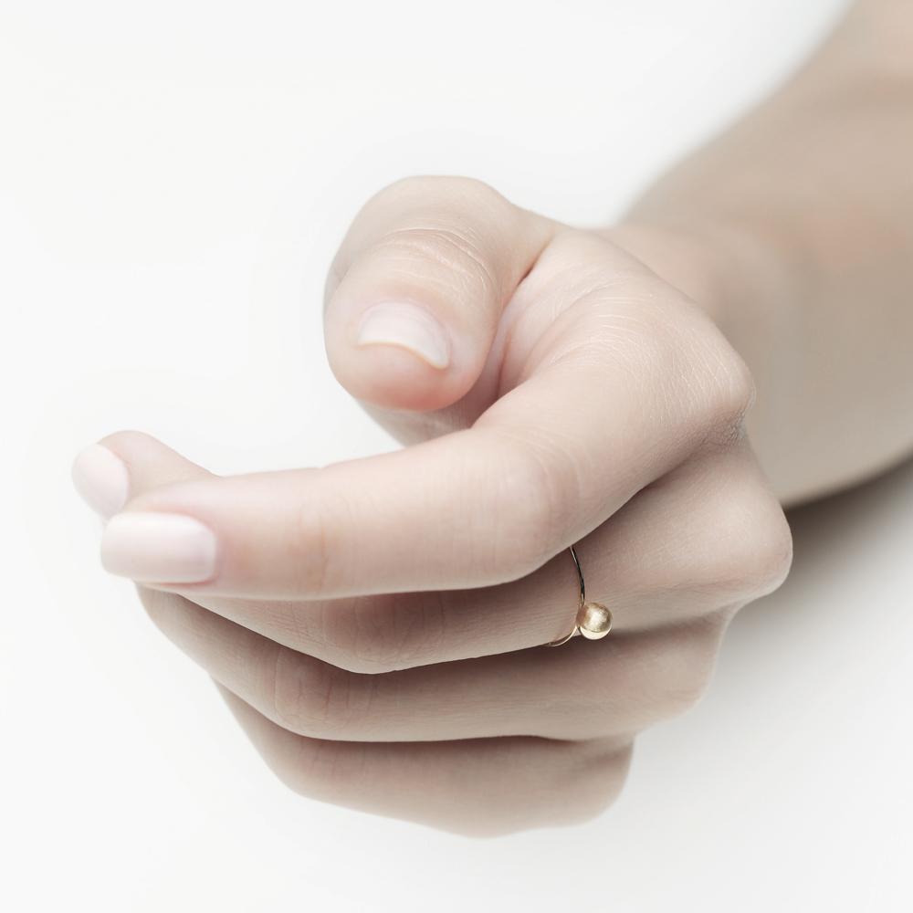 「盈」月相球18K金戒指   细腻雕刻 不落俗的美
