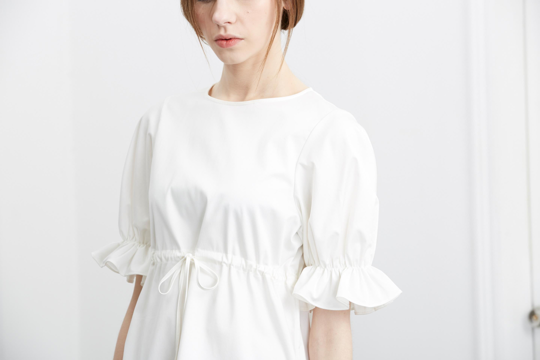 Simply White 荷叶袖白色连身裙