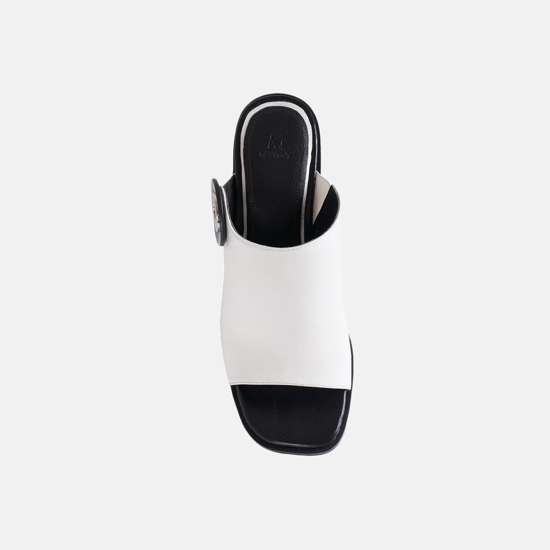 白色穆勒鞋