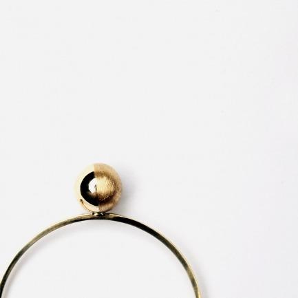 「盈」月相球18K金戒指 | 细腻雕刻 不落俗的美