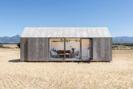 The Ideal Portable House By ÁBATON Architects