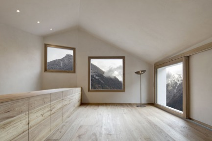 House in Mühlbach, South Tyrol by Pedevilla Architects