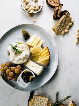How to make the Ultimate Cheese Platter